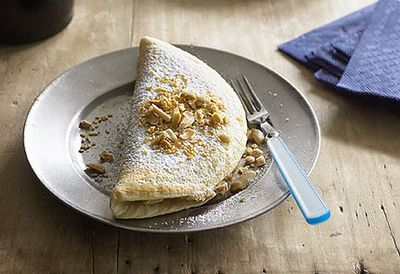 Fluffy pancakes with roasted peanuts