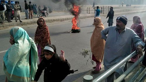 People expressed outrage at the rape and murder of a young girl in the Pakistan city of Kasur. (Photo: AP).