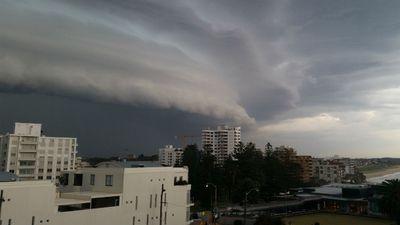 Dark clouds gathering over Cronulla. (Ben Killen)
