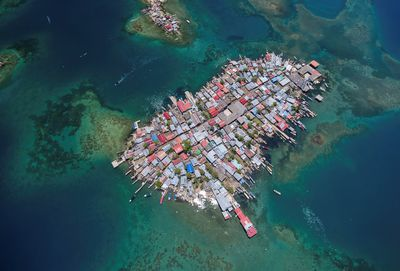 "Marine Conservation Photographer of the Year: ""Aerial view of a crowded island in Guna Yala"""