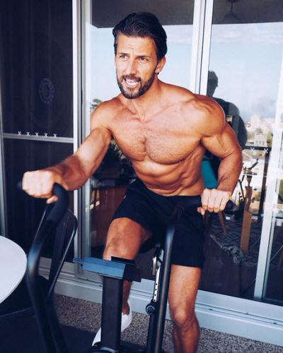 """<a href=""""https://www.instagram.com/mrtimrobards/?hl=en""""><strong>Tim Robards</strong></a><strong> - chiropractor and owner of The Robards Method</strong>"""