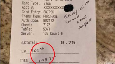 Police officer leaves $100 tip
