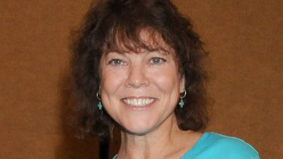 Erin Moran's husband shares heartbreaking letter, reveals she died holding his hand