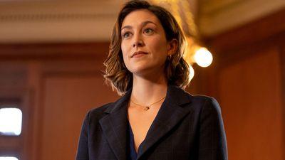 Caitlin McGee as Sydney Strait