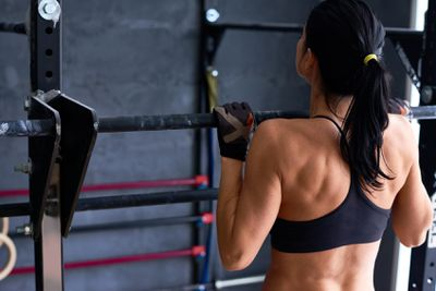 """""""I really wish I would've started taking upper back work, specifically rows, more seriously. I benched and benched and benched and rarely did rows, and now my shoulders hate me."""" - milla_highlife"""