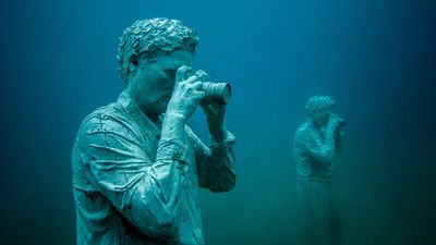 One of the 35 figures in <em>The Rubicon</em>. (Jason deCaires Taylor)