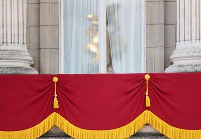 Prince George takes a peek