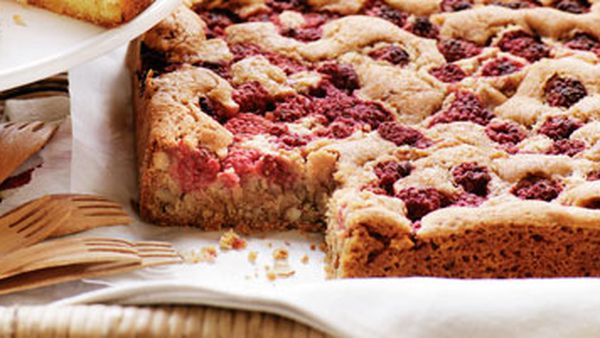 Raspberry pecan blondies