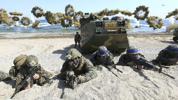 US Marines and South Korean soldiers take part in war games. (AAP)