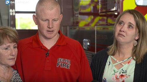 US firefighter Andrew Needum rushed to help passenger Jennifer Riordan who was fatally injured on a Southwest Airlines flight. (Screenshot Dallas Morning News)