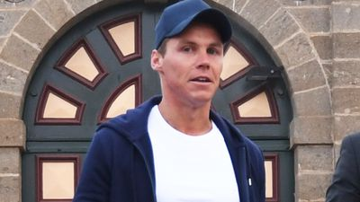 Oliver Curtis exits prison in $600 hoodie, while Roxy Jacenko greets him in outfit worth $49,000