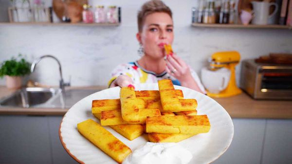 Jane de Graaff cooks perfect, easy, crunchy polenta chips