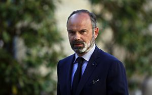 French Prime Minister resigns, forcing government reshuffle