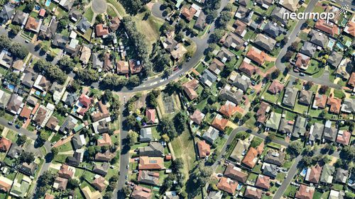 Currans Hill and its yards and parkland. (Nearmap)