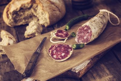 <strong>Salami (1,740 mg of sodium per 100 grams)</strong>
