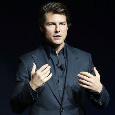<p>Tom Cruise</p>