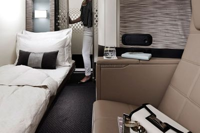 Poltrona First Class.8 Extravagant First Class Airline Cabins