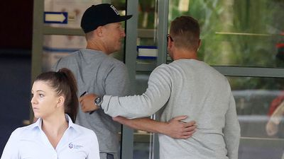 Brad Haddin and Aaron Finch at St Vincent's Hospital. (AAP)