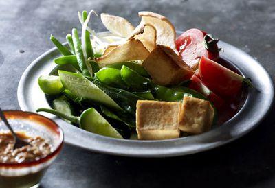 "Recipe: <a href="" /recipes/ipeanut/9113421/janet-deneefes-gado-gado-vegetables-in-peanut-sauce "" target=""_top"">Janet DeNeefe's gado gado (vegetables in peanut sauce)</a>"