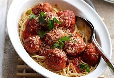 Dinner: Meatballs in tomato sauce