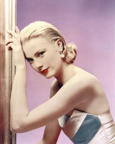 The one and only Grace Kelly, 1955.