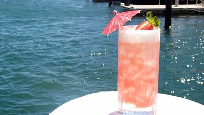 Bae beach breeze rosé Champagne cocktail