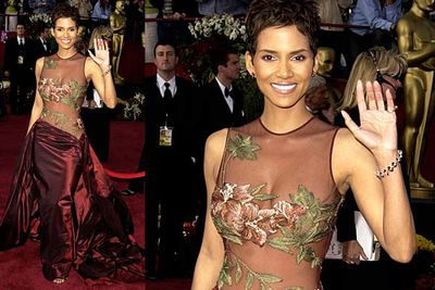 <b>Halle Berry 2002</b><br/><br/>A bit nude, but in a classy, Renaissance painting, Adam and Eve kind of way. This dress is one of our all-time Oscars favourites.