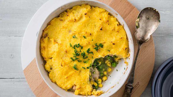 Chicken and vegetable pie with cornbread crust