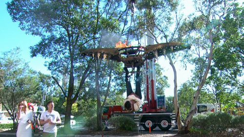 Powers pulled off the death-defying stunt on the TODAY Show this morning. (9NEWS)