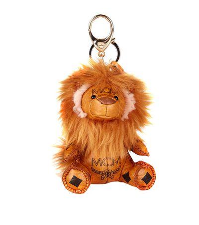 """<a href=""""http://www.harrods.com/product/lion-charm-key-ring/mcm/000000000004678837?cid=LS_000000000004678837&cid=LS&siteID=4w9UJiJpWAc-2_I_FJ7MQPnccYO0qZk6tw#"""" target=""""_blank"""">Chain, $275, MCM at Harrods</a>"""