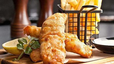 "<strong>Recipe:&nbsp;<a href=""http://kitchen.nine.com.au/2016/05/05/14/30/james-squirebattered-fish-and-chips"" target=""_top"">James Squire beer battered fish and chips</a></strong>"