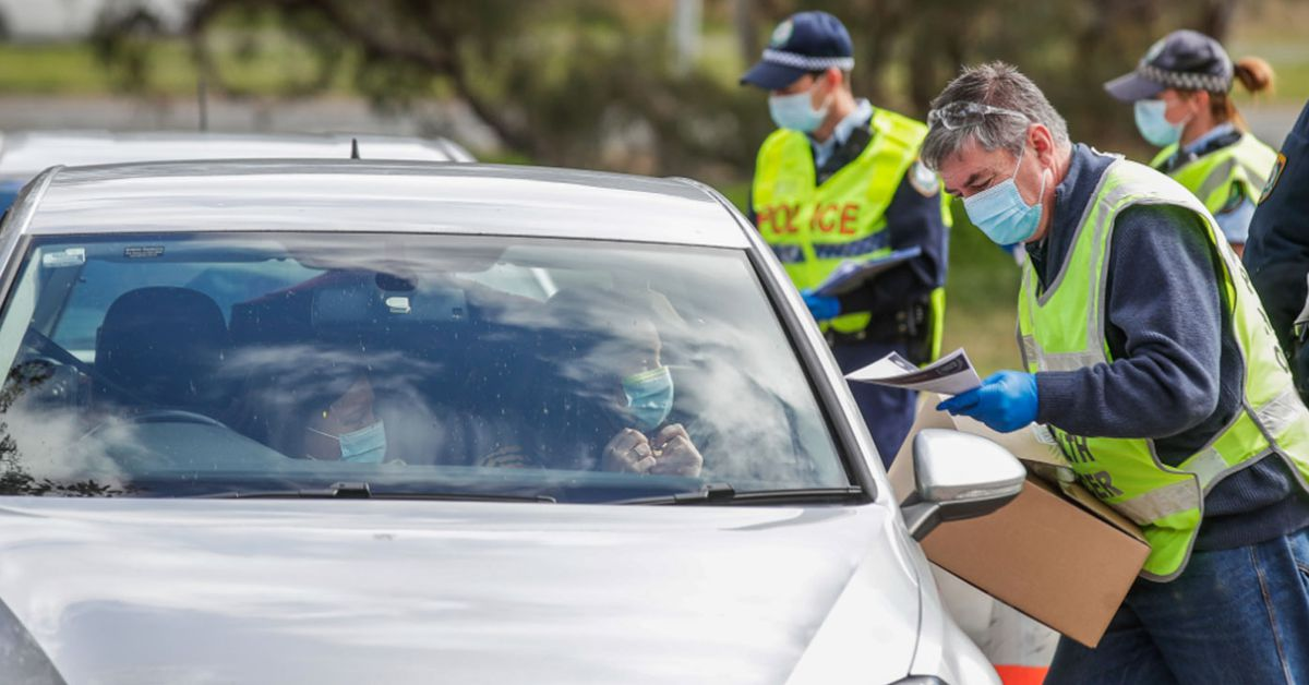 Deputy PM calls for 'common sense' border policies after AFL delegation flies into Queensland – 9News