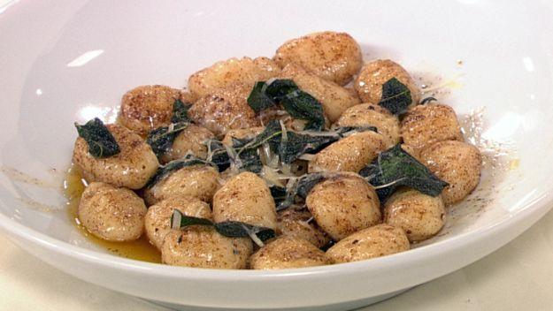Gnocchi stuffed with smoked mozzarella