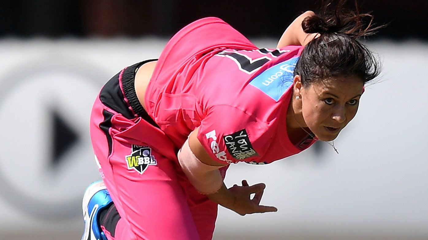 Marizanne Kapp took a hat-trick for the Sydney Sixers.