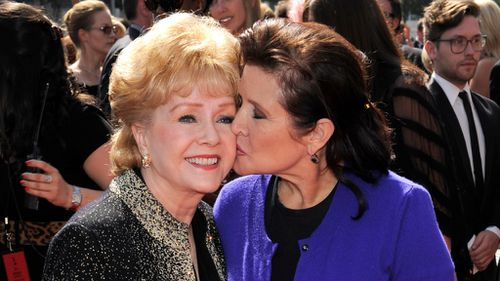 Reynolds with late daughter, Carrie Fisher. (AAP)
