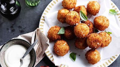 "<a href=""http://kitchen.nine.com.au/2016/05/16/10/27/provolone-piccante-arancini-with-thyme-and-garlic-aioli"" target=""_top"" draggable=""false"">Provolone piccante arancini with thyme and garlic aioli</a>"