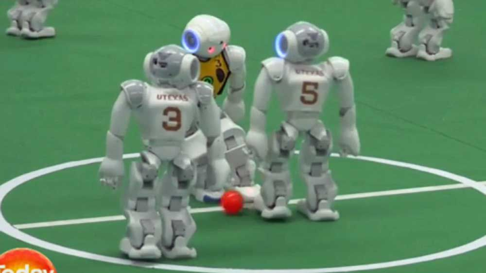 US robots defeat Australian ones in soccer
