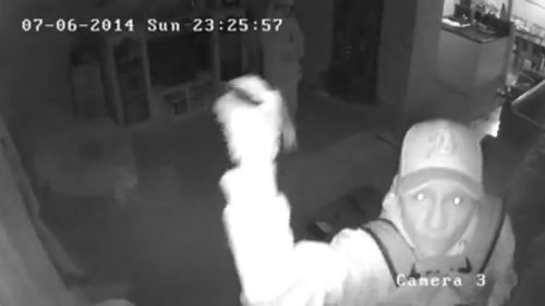 CCTV catches Brisbane house thieves in the act