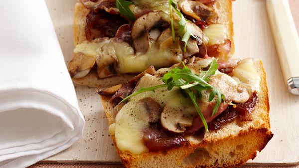 Mixed mushroom & mozzarella pizza