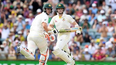 Smith and Marsh partnership endson first ball of Day 4