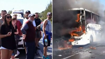 Aussie tourists escape Gallipoli bus blaze