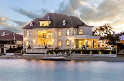 <strong>Paradise Waters<br> $6,250,000</strong>