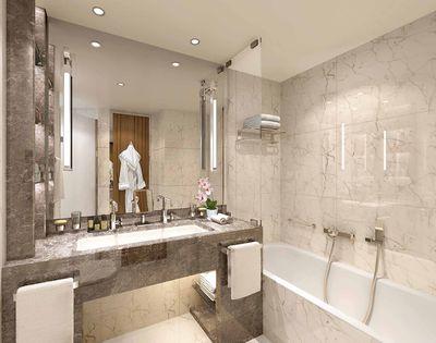 Seabourn Venture: Veranda Suite (bathroom)