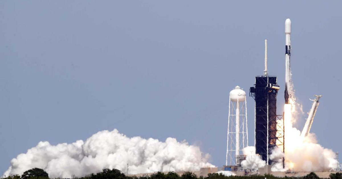 Astronauts prepare for world-first space launch – 9News