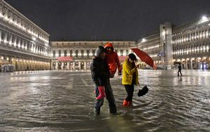Venice flooded by unusually high spring tide