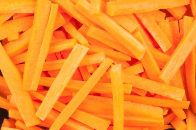 Afternoon snack: Carrot sticks (2g fibre)