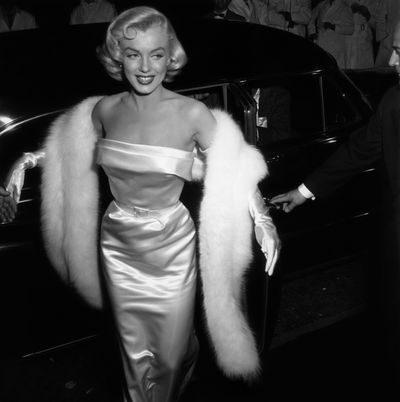 Marilyn Monroe arrives at the premiere of<em>There's No Business like Show Business</em> in 1954.
