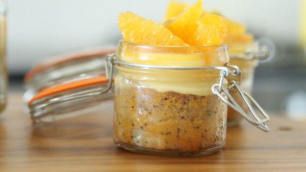 Anna Polyviou's cake in a jar