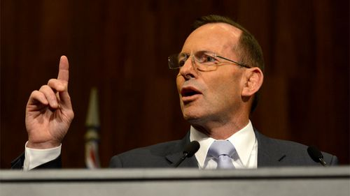 Polls indicate Shorten preferred leader, Abbott support slumps