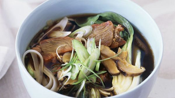 Barbecued pork and rice stick noodle soup